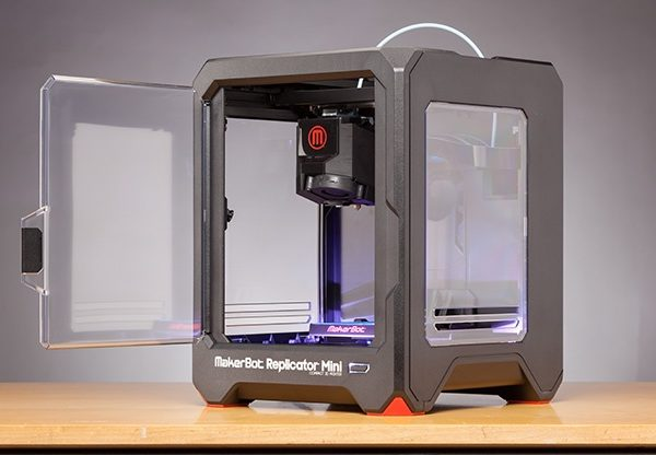 makerbot-replicator-mini-compact-3d-printer-door_7yc9